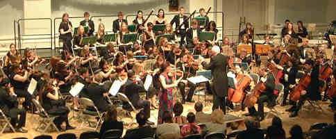 The Youth Orchestra in Bedford Corn Exchange on 3rd January 2006, conducted by Michael Rose. The soloist is Tasmin Little.